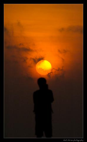 Here Comes The Sun by Flickr user varun suresh