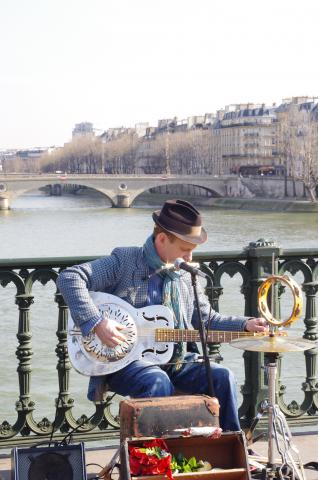blues parisien by Flickr user The Supertramp