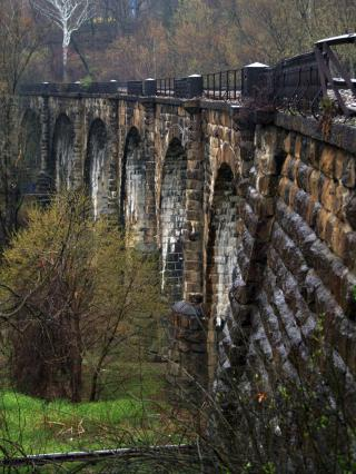 Thomas Viaduct Inside Curve (Relay, MD) by Flickr user takomabibelot