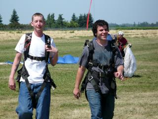 Yea, we jumped out a plane at 13k feet! by Flickr user daveparker