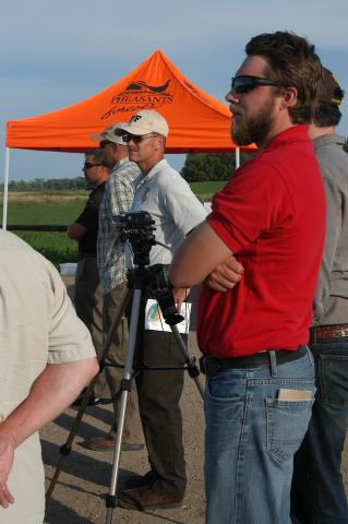 Scott Glup from FWS with Partners by Flickr user U.S. Fish and Wildlife Service - Midwest Region