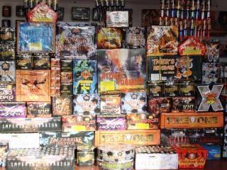Epic Fireworks - The Ultimate Bonfire DIY Display Pack - Laden With All The Big Boys Toys by Flickr user EpicFireworks